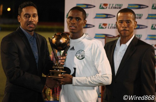 Photo: W Connection midfielder Joevin Jones (centre) collects his MVP award from a Lucozade representative (left) while Pro League CEO Dexter Skeene looks on. (Courtesy Wired868)