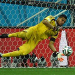 Romero must fly: Argentina penalises Dutchmen to advance to Rio final