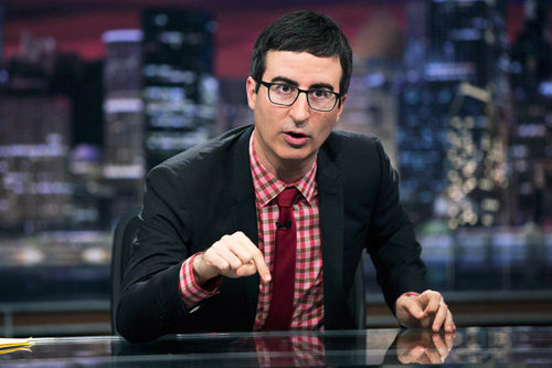 Photo: English comic John Oliver, who hosts HBO's Last Week Tonight, is about to put his mittens on for TV6.