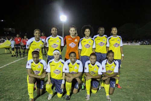 Photo: Christina Murray (second from right, front row) with her WPL Fuego teammates. (Courtesy: Sinead Peters/Wired868.)