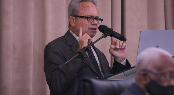 Dear Editor: Imbert sees unions in disarray, now he's going for the jugular of the working class