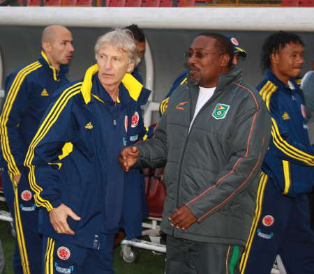 Photo: Jamaal Shabazz (right) has a word with Colombia and ex-Argentina coach Jose Pekerman during his stint as Guyana coach. (Courtesy Golden Jaguars Media)