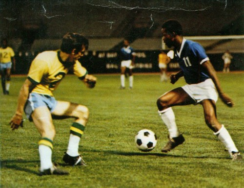 Photo: Trinidad and Tobago football icon Warren Archibald (right) wrongfoots NY Cosmos defender Barry Mahy while representing the Washington Darts in the NASL. (Courtesy ttfootballhistory.com)