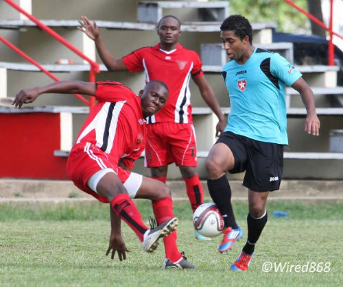 Photo: Westside Superstarz attacker Qian Grosvenor (right) troubled the 1976 FC Phoenix defence last week. Grosvenor was on target again yesterday against Bethel United. (Courtesy Wired868)