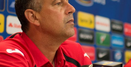 Photo: Trinidad and Tobago head coach Stephen Hart. (Courtesy CONCACAF) (Courtesy CONCACAF)