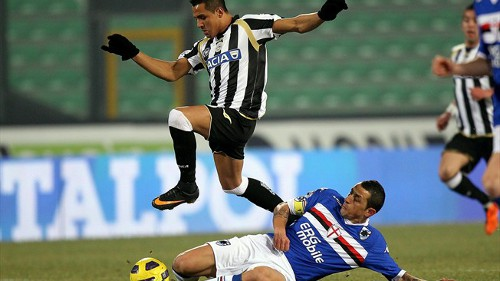 Photo: Former Udinese star Alexis Sanchez (left) hurdles a tackle from a Sampdoria player. The Chilean star has since swapped Udinese for Barcelona. But Joevin Jones will not take his place. (Courtesy FIFA.com)