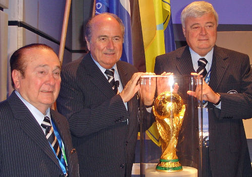Photo: FIFA president Sepp Blatter (centre) with South America's disgraced ex-FIFA vice presidents Ricardo Teixeira (right) and Nicholas Leoz.
