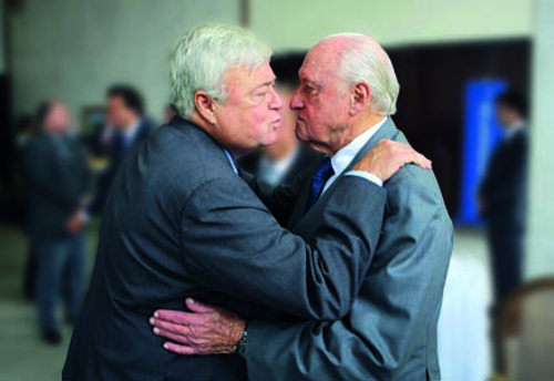 Photo: Former FIFA president Joao Havelange (right) and FIFA vice-president Ricardo Teixeira exchange greetings. Havelange was once Teixeira's father-in-law. (Courtesy Wilton Junior/AG)