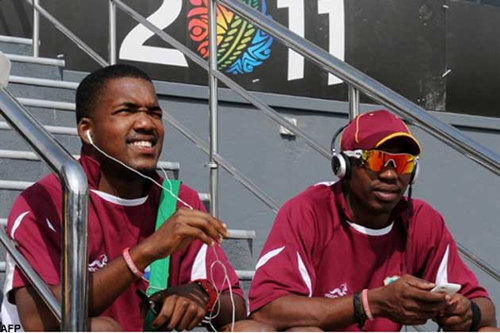Photo: Brothers Dwayne (right) and Darren Bravo have barely played together for the West Indies Test team.