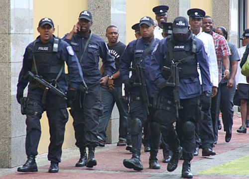 Photo: Trinidad and Tobago police on the move. (Courtesy Heritage Radio)