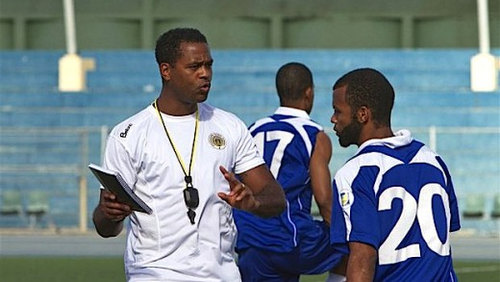 Photo: New Curacao coach Patrick Kluivert gives instructions during a training session. (Courtesy Curacao Chronicle)