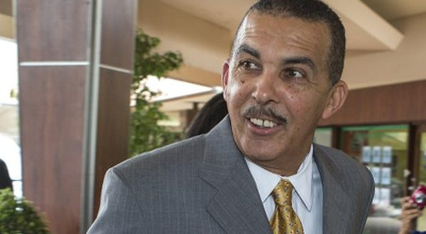 Transparency needed! Dumas, Hart and Raymond urge Carmona to heed Uff's procurement advice