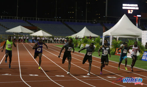 Photo: Trinidad and Tobago sprint star Richard Thompson (third from left) edges Rondon Sorrillo (centre) to the NAAA National Championships 100 metre final on 25 June 2016. Sorrillo had his revenge today as he beat Thompson to the 200 metre crown. (Courtesy Chevaughn Christopher/Wired868)