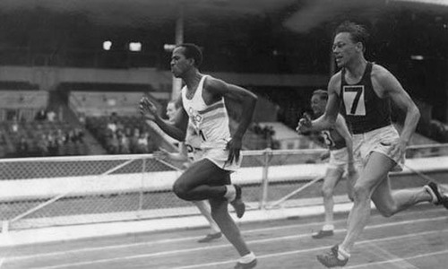 Photo: Emmanuel McDonald Bailey (left) competed for Britain at the 1948 Olympic Games. (Photo: Hulton Getty)
