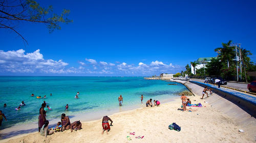 Photo: A beach in Montego Bay, Jamaica. (Copyright Expedia)