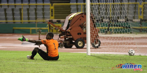 Photo: W Connection goalkeeper Terrence Clarke complains to his defence after conceding during 2016/17 Pro League action against Central FC at the Hasely Crawford Stadium in Port of Spain on 4 October 2016. (Courtesy Sean Morrison/Wired868)