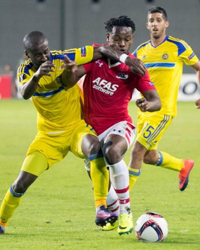 Photo: Trinidad and Tobago and AZ Alkmaar winger Levi Garcia (right) takes on Maccabi Tel Aviv and Israel international defender Eli Dasa (L) during a Europa Cup contest on 3 November 2016, at the Netanya Stadium.  (Copyright AFP 2017/Jack Guez)