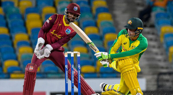 Aussies bats wade into WI bowlers, romp to 6-wkt win to clinch series on 'untrustworthy' pitch